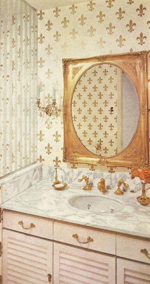Vintage decorating bathrooms 6 antique alter ego for 1960s bathroom decor